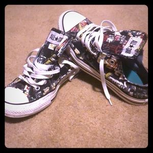 Graffiti converse sneakers